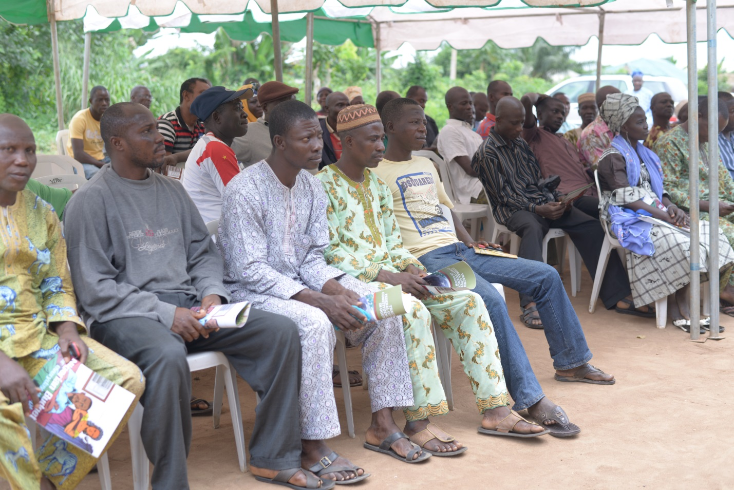 Cross Section of community members at the meeting convened by BudgIT